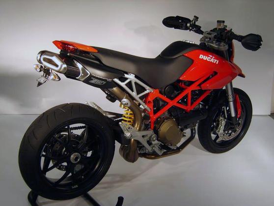 Racing Dual Slip-on Penta Carbon Ducati Hypermotard 1100 / EVO 2007 - 2012 Ducati Hypermotard 1100 2007 - 2012