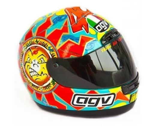 Model helmy AGV Valentino Rossi 1999